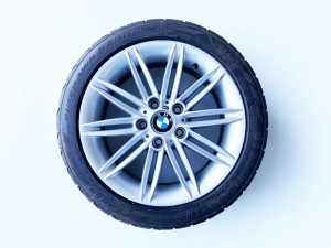 Set 4 cerchi in lega originali 17 8036938 E81 E82 E87 E88 7,5J BMW